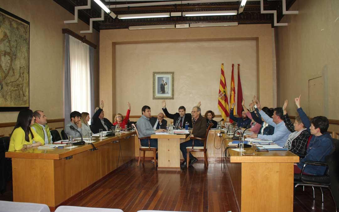 Todos los partidos salvo el PP han votado a favor de retirar los máximos honores de la ciudad al dictador / L. Castel