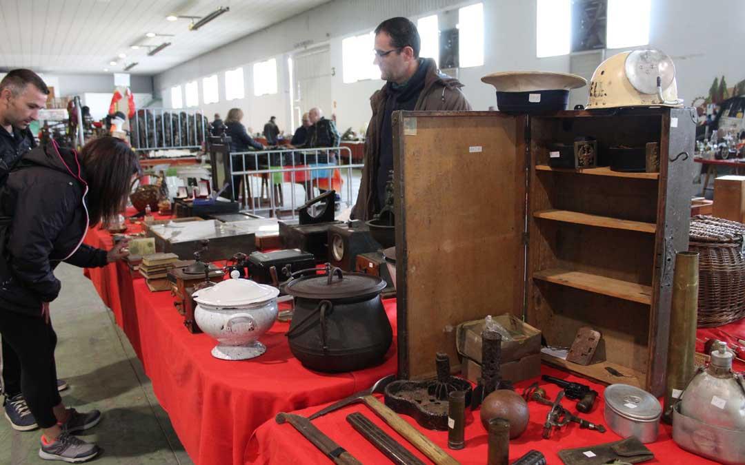 Desde Fraga llegaron varios objetos de coleccionismo cotidiano a Militaria. / B. Severino
