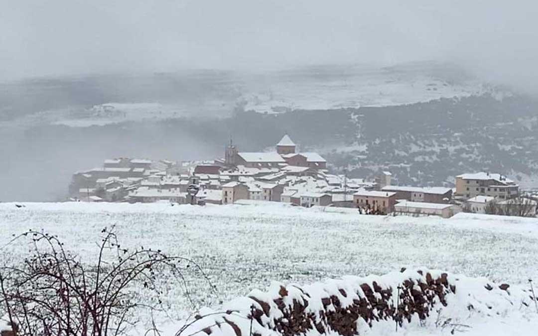 La nevada ha acumulado hasta 10 centímetros en Cantavieja.