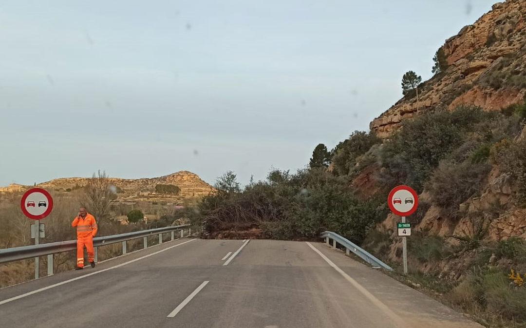 Grave desprendimiento en la carretera de Castelserás