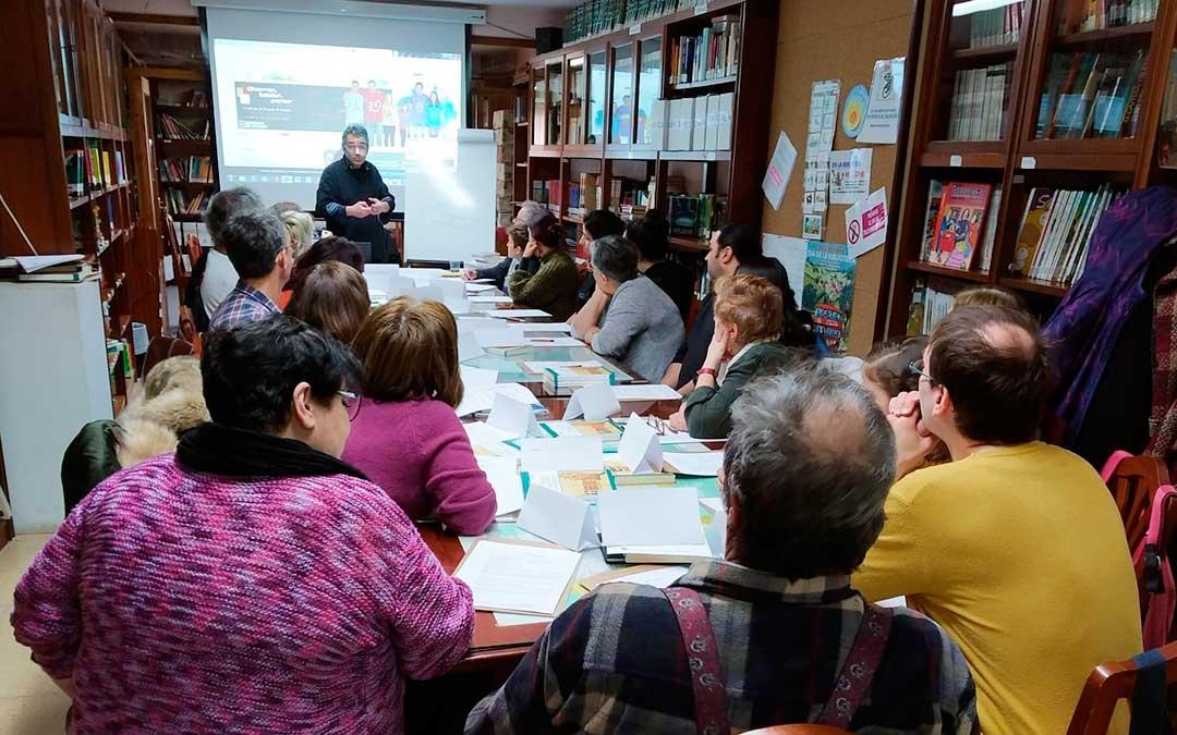 Primera sesión del curso de lengua aragonesa.