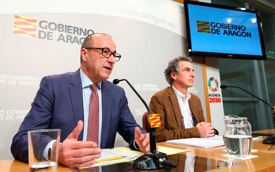 El consejero de Educación, Cultura y Deporte, Felipe Faci, ha comparecido este viernes en rueda de prensa para explicar el paquete de medidas contra el coronavirus./ DGA