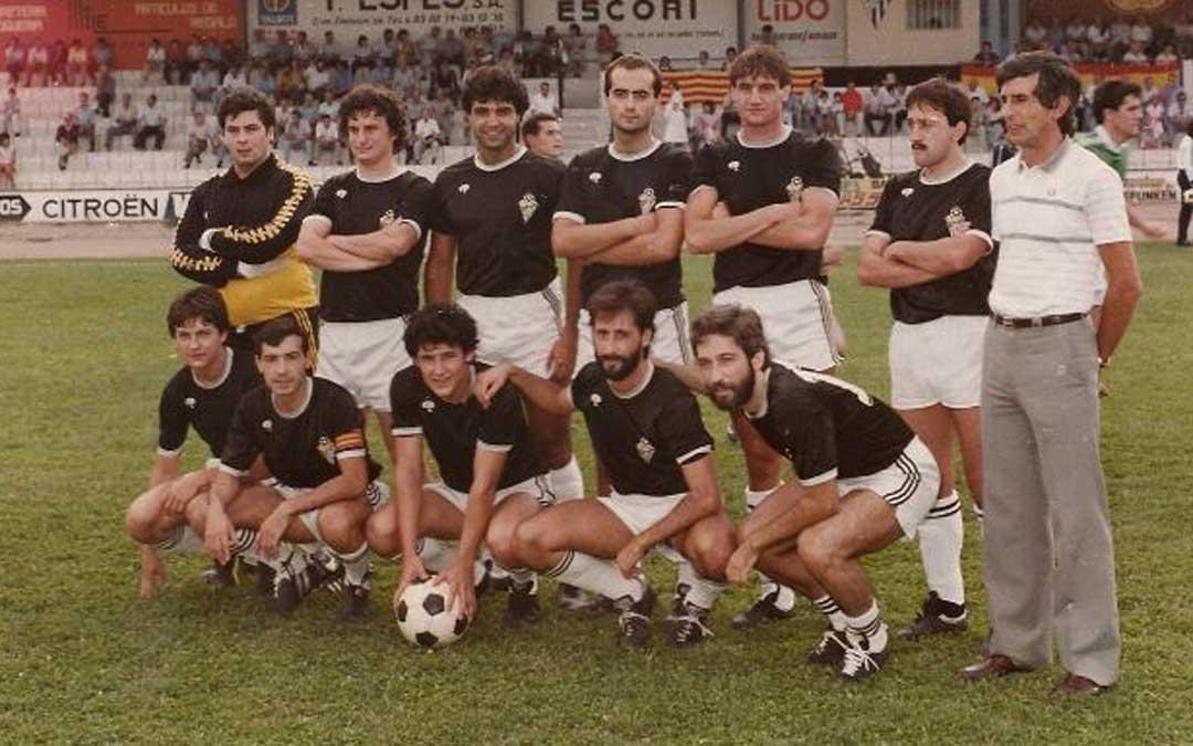 Once inicial y entrenador del equipo que disputó la temporada 1983-84
