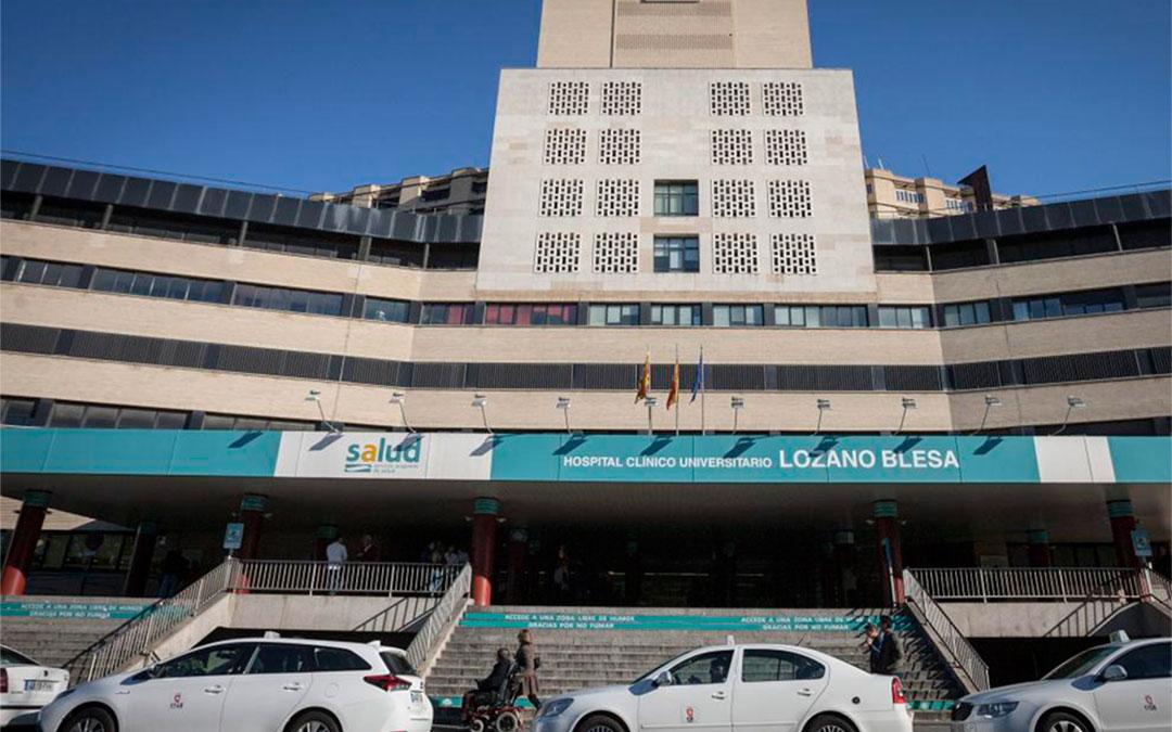 La mujer de 81 años que ha dado positivo este lunes permanece ingresada en el Hospital Clínico Universitario Lozano Blesa./ Heraldo