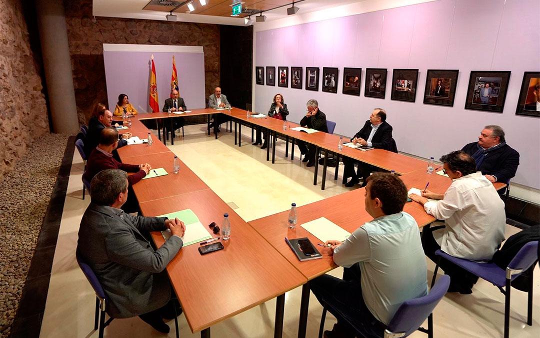 Rueda de prensa del presidente de Aragón, Javier Lambán, este jueves en Teruel./ DGA
