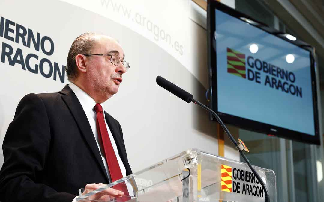 El Presidente de Aragón, Javier Lambán, informa en rueda de prensa sobre las últimas medidas preventivas adicionales de salud pública adoptadas por el Gobierno de Aragón con motivo de la crisis del coronavirus Covid-19