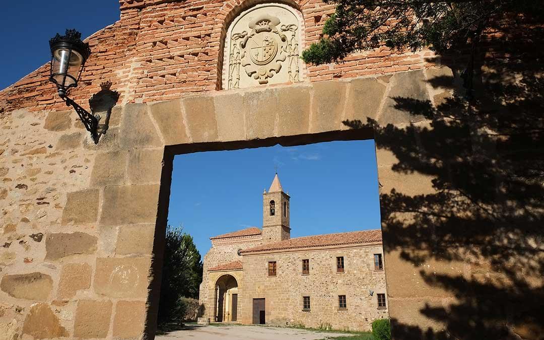 Entrada al Monasterio del Olivar, en Estercuel./ A.M.