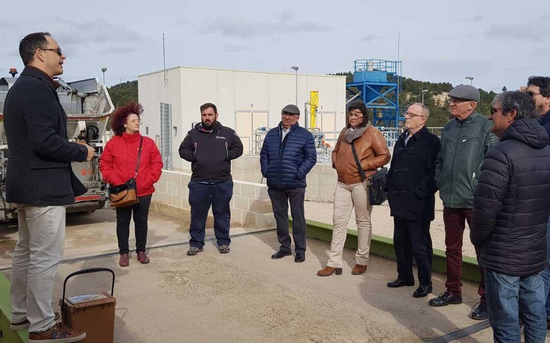La comarca del Bajo Martín visitó ayer las instalaciones de la planta de compostaje de Peñarroya de Tastavins