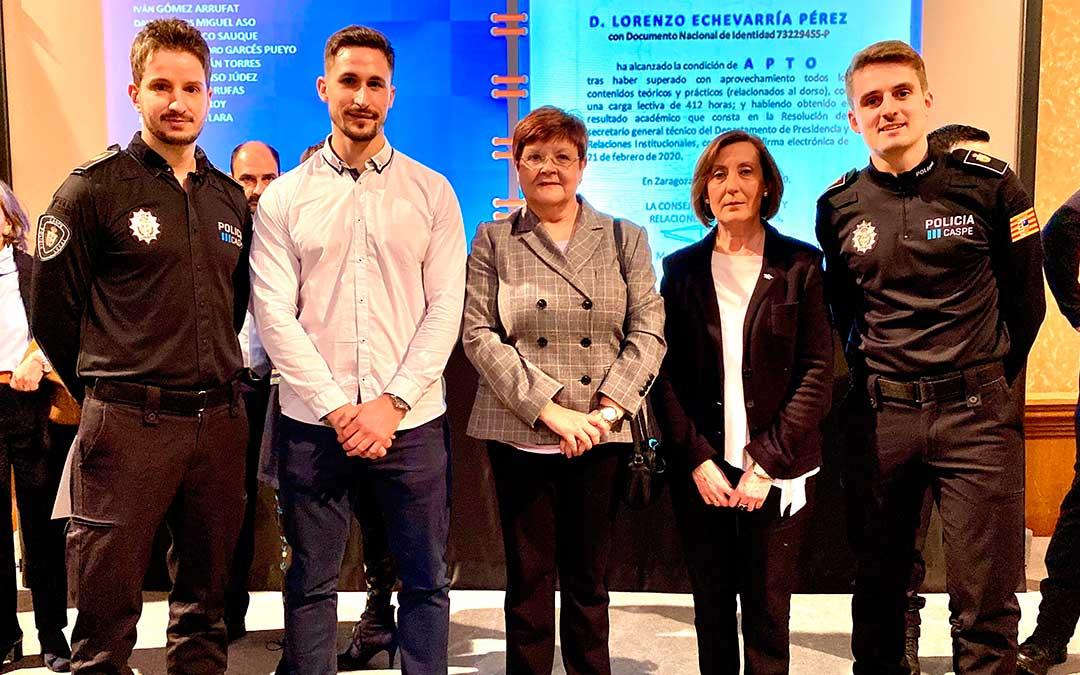 La Alcaldesa de Caspe, Pilar Mustieles, la Concejal Delegada de Policía Local, Alicia Clavería y el Jefe de la Policía Local, acompañaron a los agentes en el acto de Clausura de la XXIII edición del Curso de Formación para el ingreso en los Cuerpos de Policía Local del Aragón.