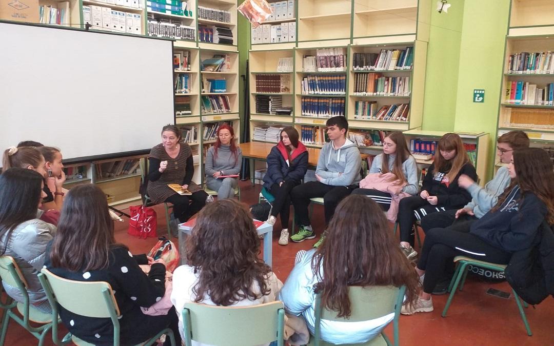 Alumnos, padres y profesores participaron en las distintas actividades./ L.C.