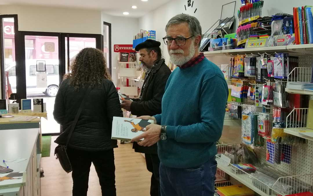 El periodista y escritor Luis Rajadell es coator del libro junto a Fermín Escribano.