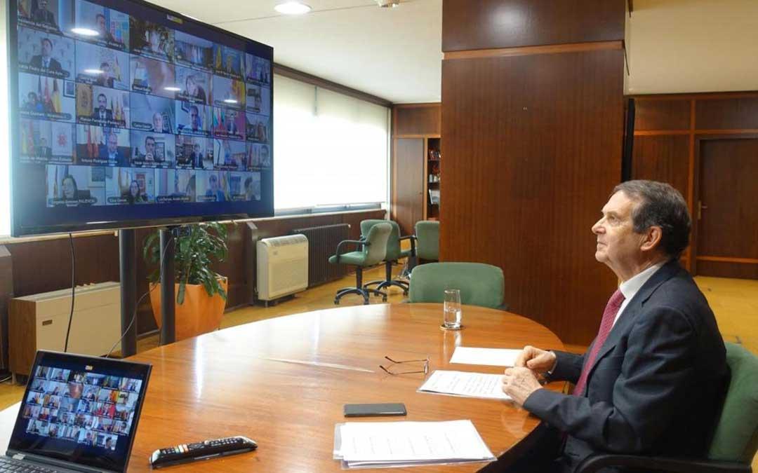 Abel Caballero, este lunes, en la reunión telemática de la Federación