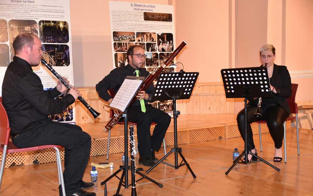 Monzón, con su fagot en un concierto de la formación Donax Trío en mayo de 2019 por el Día de los Museos en Alcorisa. / Archivo personal