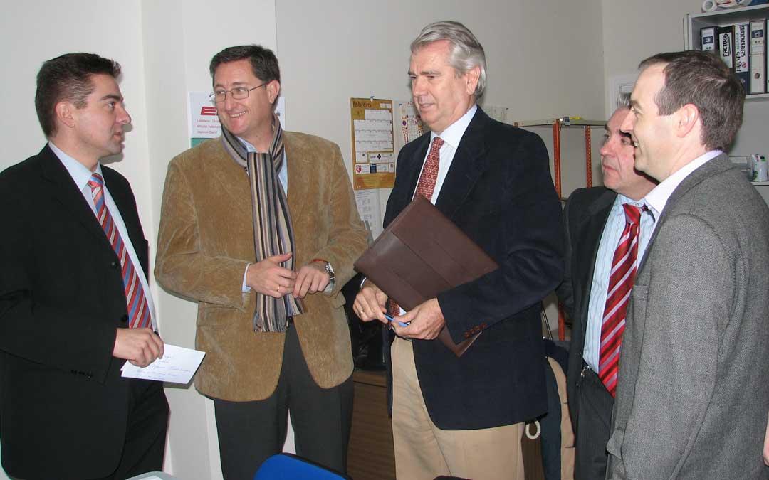 En Alcañiz para ofrecer una rueda de prensa con el PP en el Bajo Aragón en 2006. / Archivo La COMARCA