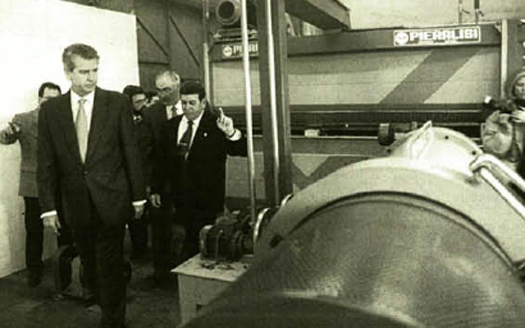 Visita a Mazaleón en apoyo al sector olivarero en febrero de 1998. / Archivo La COMARCA