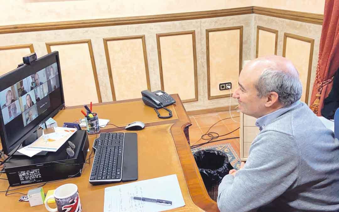 Reunión telemática en Alcañiz entre concejales y asociaciones empresariales este lunes