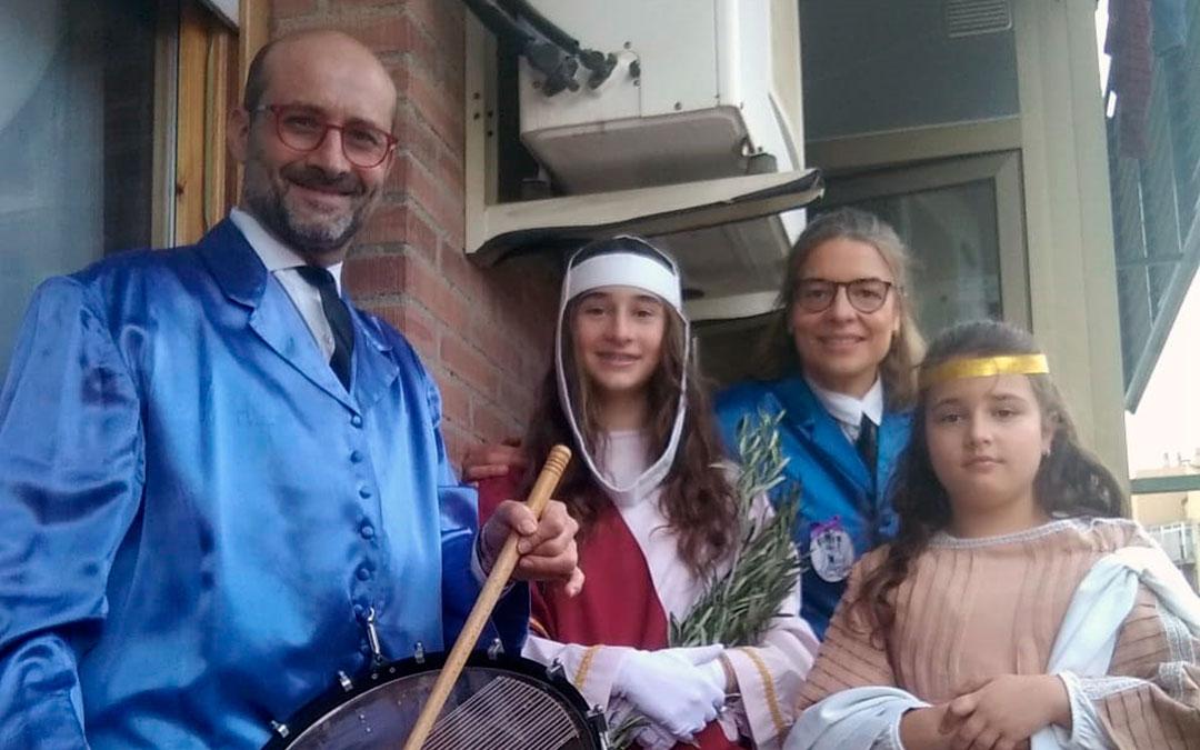 Tambores en los balcones de Alcañiz para rendir homenaje al Santo Entierro