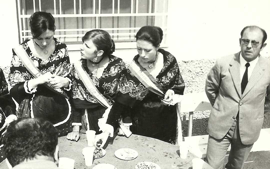 Monforte durante las fiestas de Mas de las Matas a mediados de la década de los 70./ GEMA