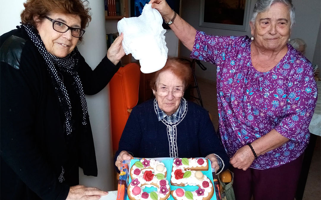 Pilar Royo celebrando su 85 cumpleaños./LA COMARCA