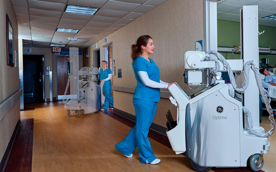 Endesa dona diez equipos de rayos X portátiles y un TAC de última generación a Aragón./ Endesa