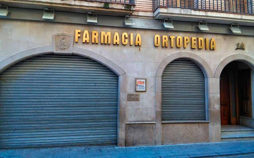 Fachada de la farmacia Hernández de Caspe, una de las impulsoras de la campaña.
