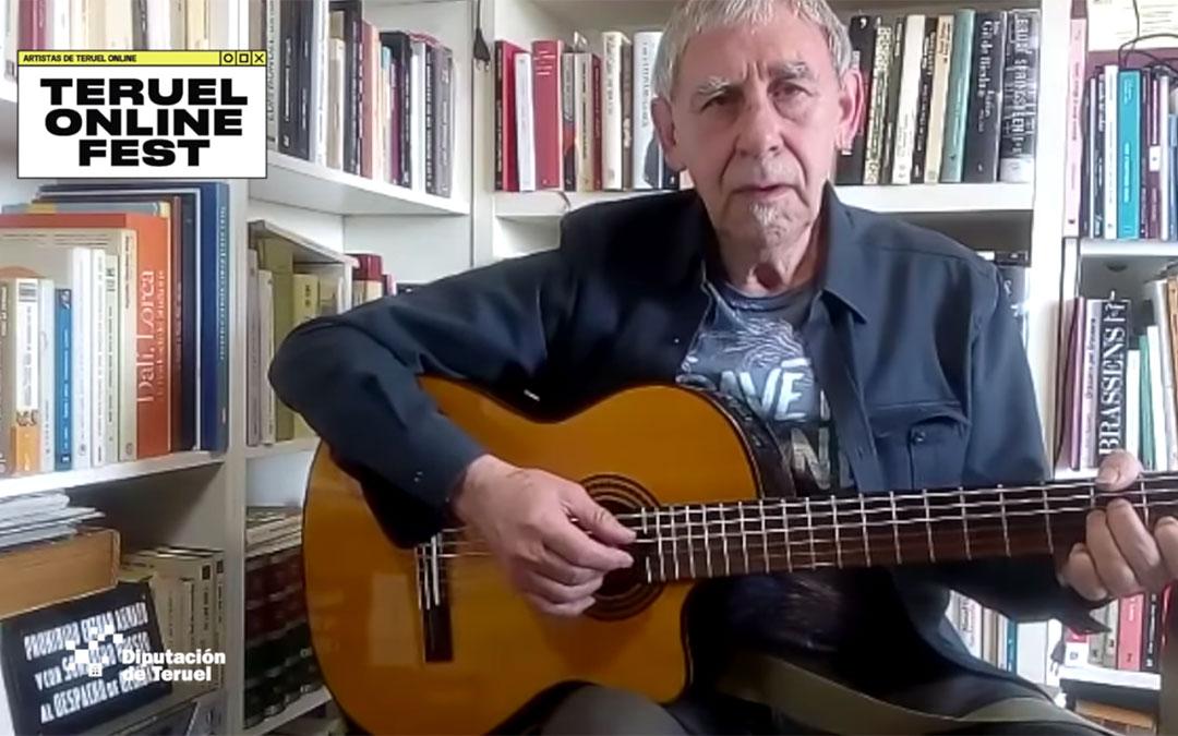 Instante del video de Joaquín Carbonell durante su participación en el Teruel Online Fest./ L.C.