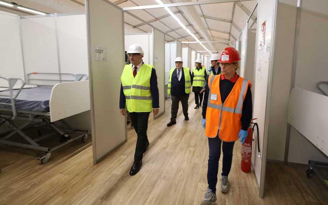 Lambán ha visitado este miércoles las obras del hospital de campaña en la Feria de Zaragoza / DGA