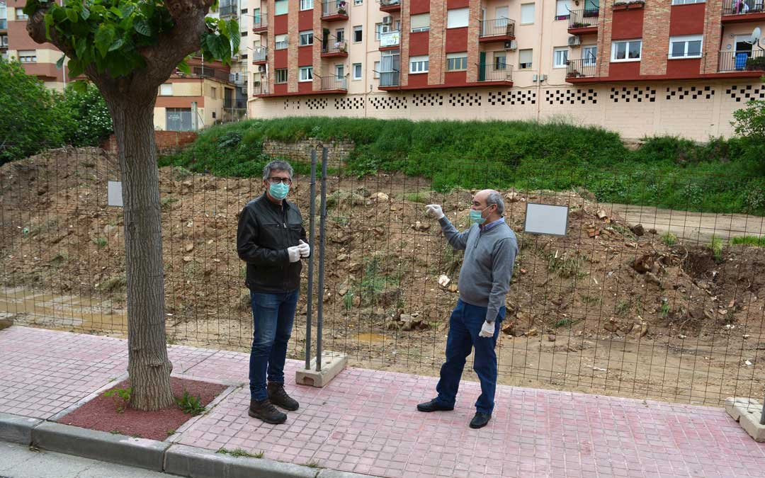 Los concejales Lahoz y Baigorri en la visita de obra