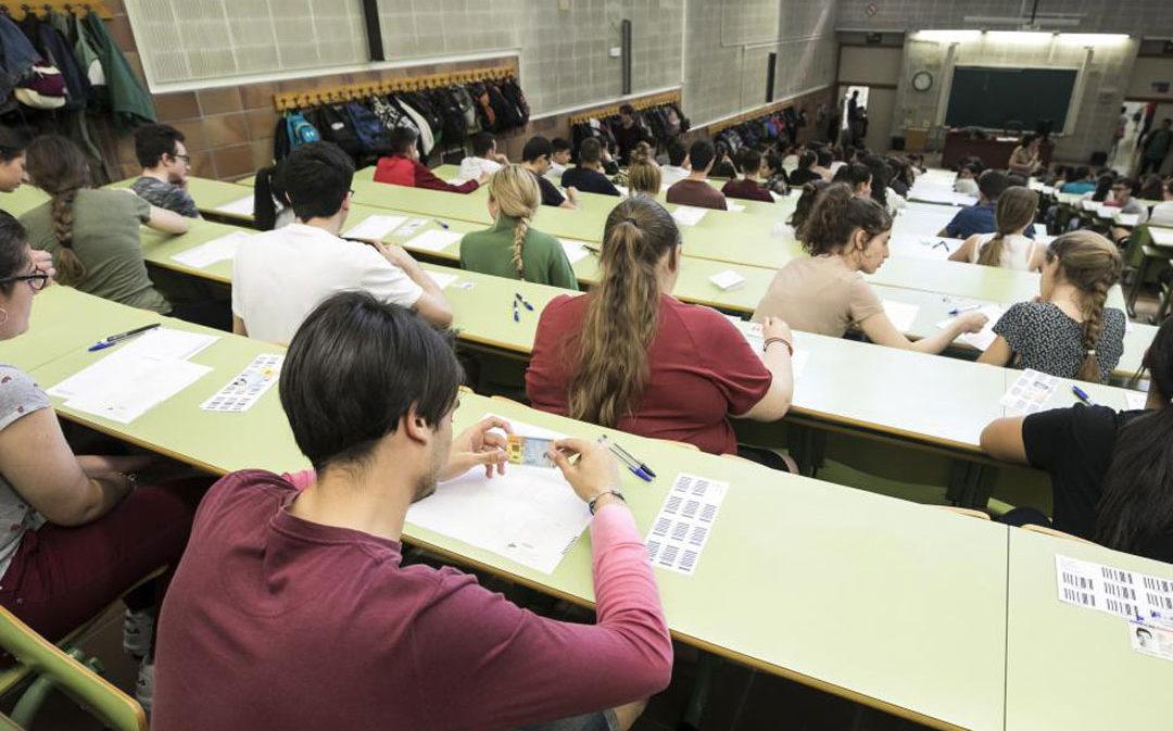 """Los alumnos afrontan """"con preocupación"""" una Evau tardía sin conocer todavía su nuevo planteamiento"""