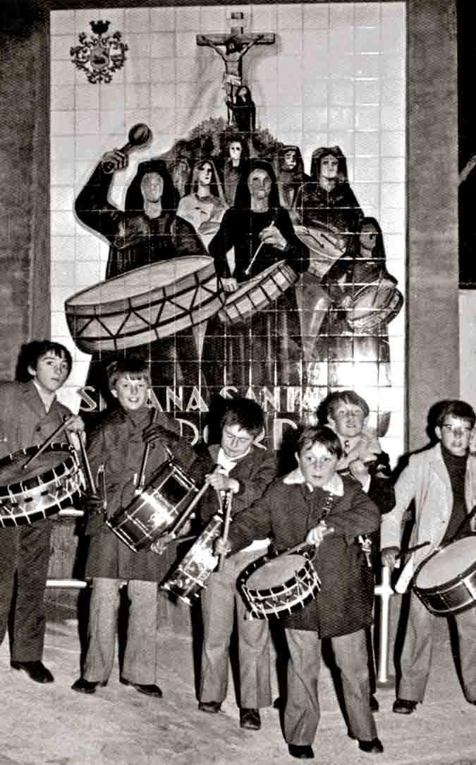 Primer monumento al tambor y el bombo en Andorra, en 1963