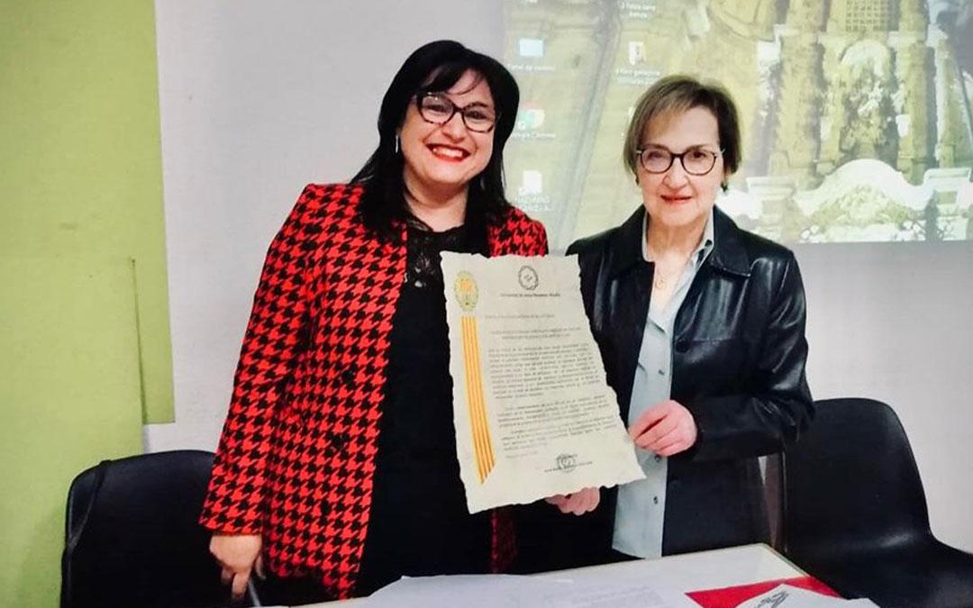 Vicentina Calvo junto a la presidenta del Nazareno, Ana Belén Andreu