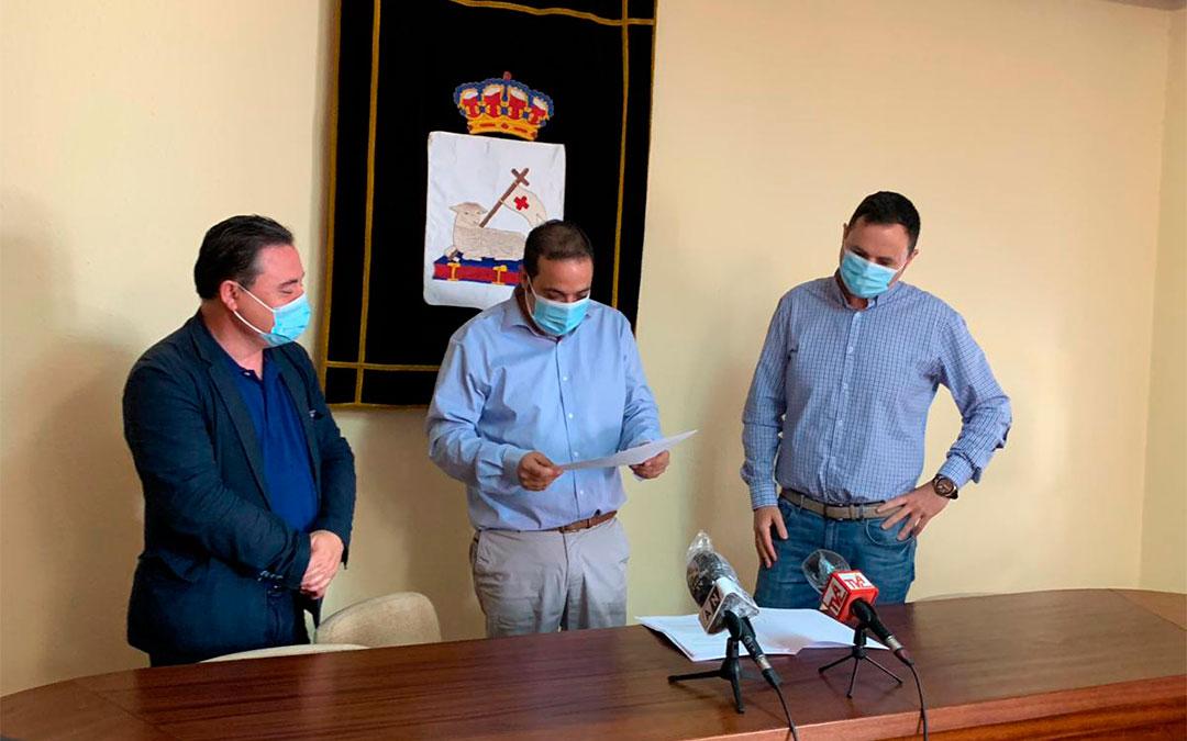 Juan Ciércoles, Antonio Amador y Sebastián Ruiz en rueda de prensa en Andorra/ M.Q.
