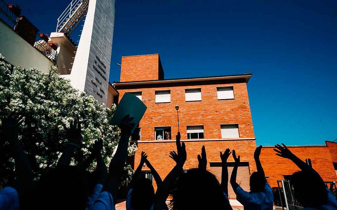 Fachada de la residencia caspolina. Imagen: Cesáreo Larrosa