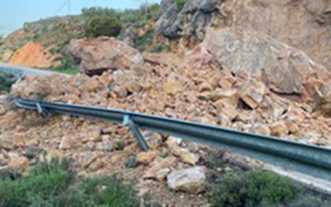 Las rocas han colapsado la carretera