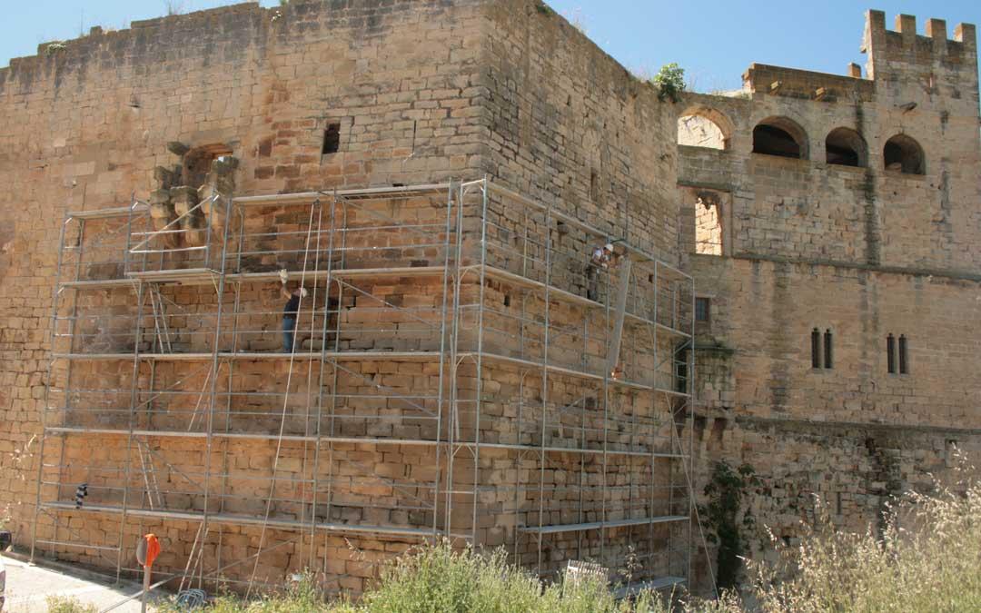 Obras en el Castillo de Valderribres