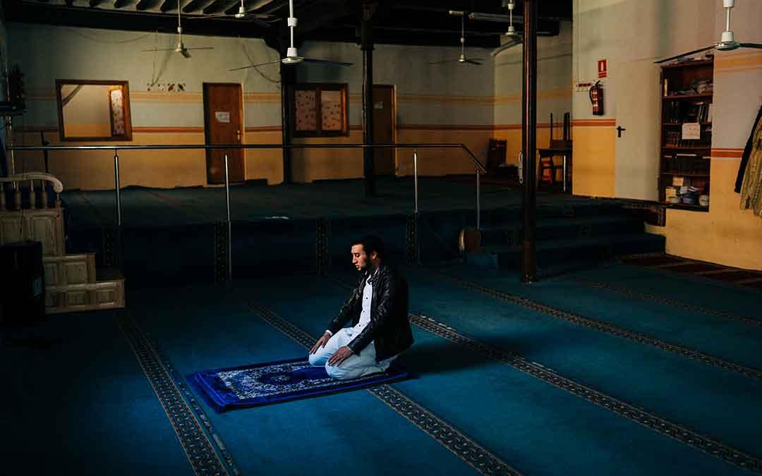 La Mezquita de Caspe, prácticamente vacía durante el Ramadán. Imagen: Cesáreo Larrosa.