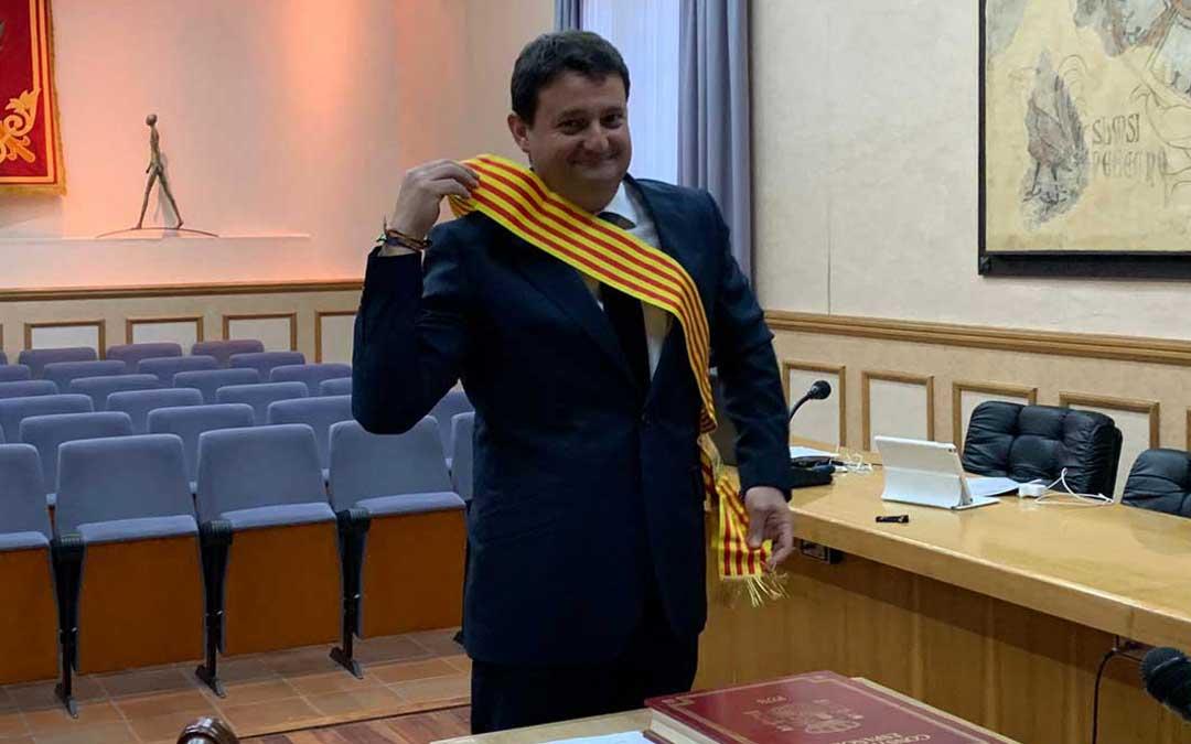 Miguel Ángel Estevan en la toma de posesión como concejal del PP / Ayto. Alcañiz