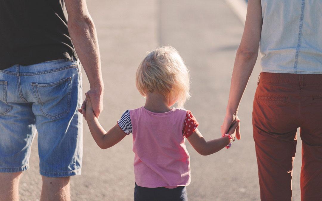 El reto es conciliar vida familiar y laboral sin escuelas infantiles ni actividades de verano. / Banco imágenes