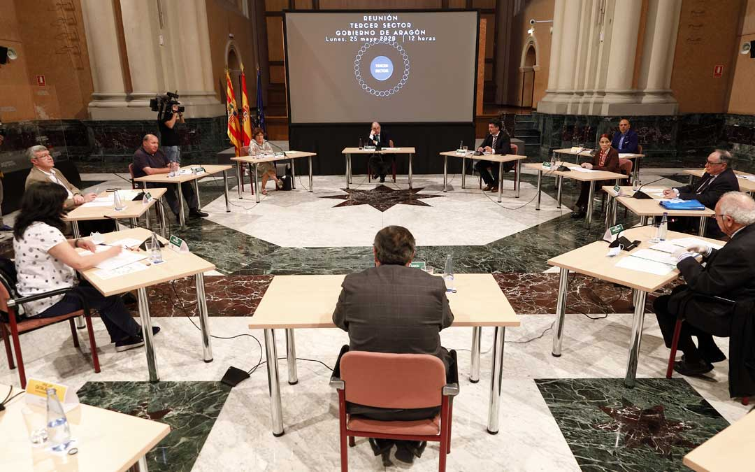Reunión en DGA entre Servicios Sociales, Lambán y CERMI, COAPEMA y la Plataforma del Tercer Sector. / DGA