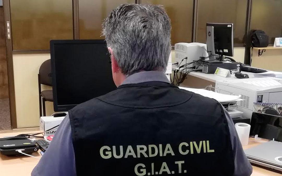 Los agentes del GIAT de la Guardia Civil de la Comandancia de Teruel averiguaron un total de 19 vehículos con matriculación fraudulenta./ Guardia Civil