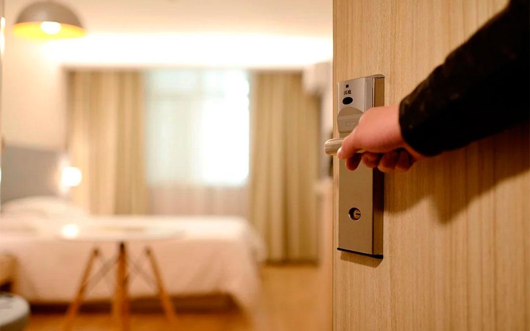 Imagen de recurso de una habitación de hotel./ Pixabay