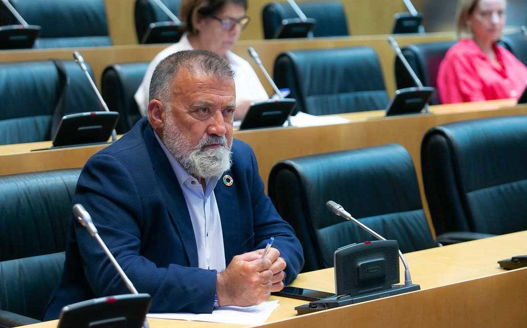 El diputado del PSOE por Teruel  Herminio Sancho asiste a la Comisión para la Reconstrucción Social y Económica