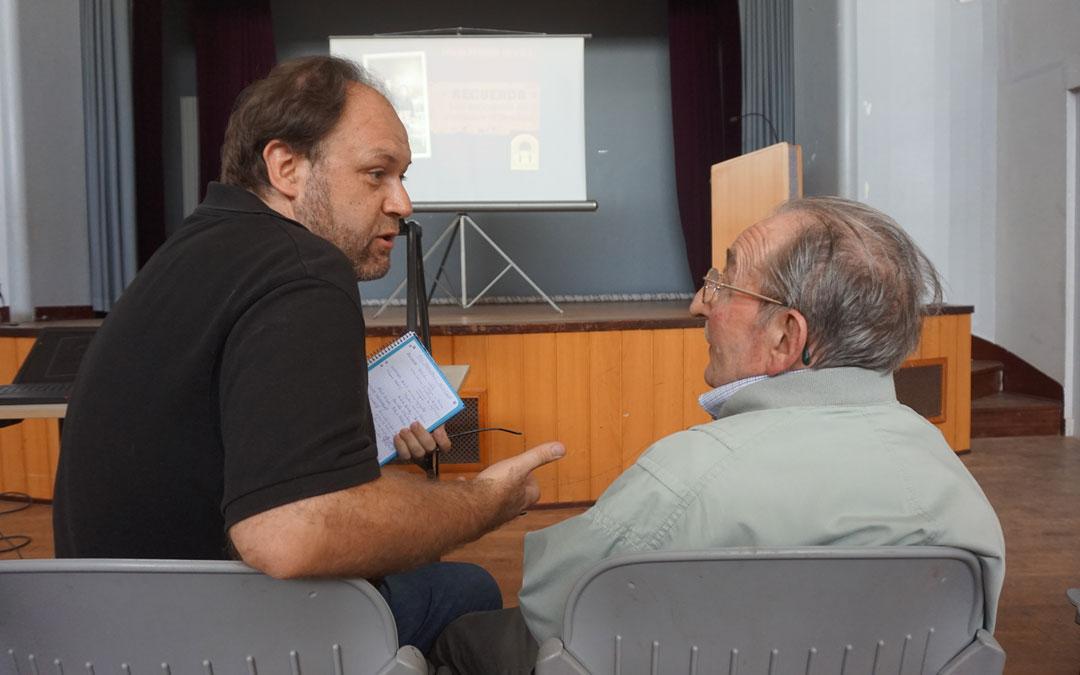 David Ferrer, charlando con Albert Valade (1930-2019), superviviente. / David Ferrer, charlando con Albert Valade (1930-2019), superviviente. / Arlet Ferrer Heras