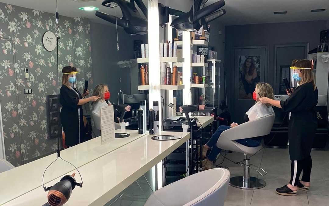 El sector de las peluquerías convoca concentraciones este miércoles en Alcañiz, Calanda y Teruel
