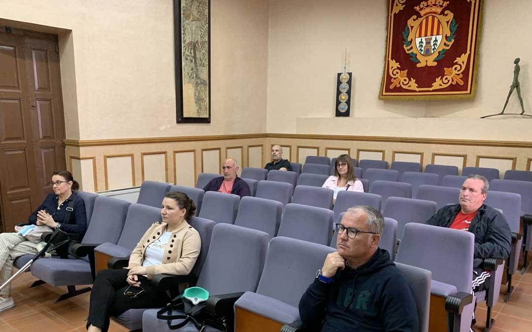 Participantes en la reunión mantenida entre representantes de la hostelería local con el alcalde Alcañiz