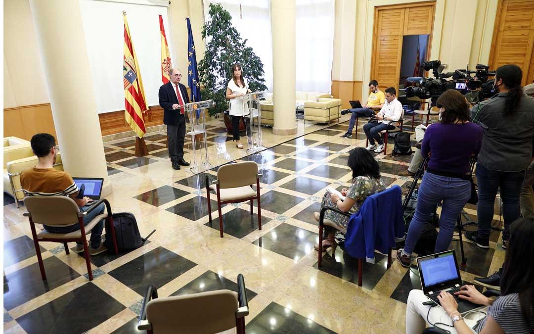 Rueda de prensa del presidente Lambán y la consejera Repollés para dar a conocer el decreto de la nueva normalidad / DGA