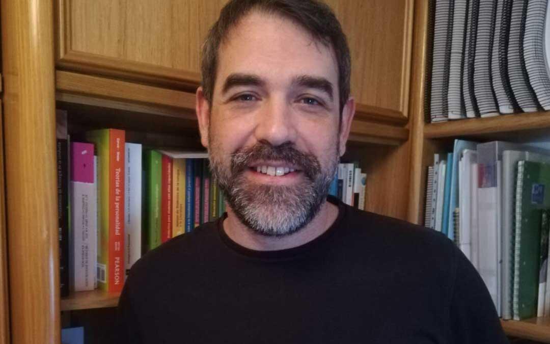 Alberto Quílez es uno de los responsables del estudio que analiza los efectos de la cuarentena en más de 500 familias aragonesas./ L.C.