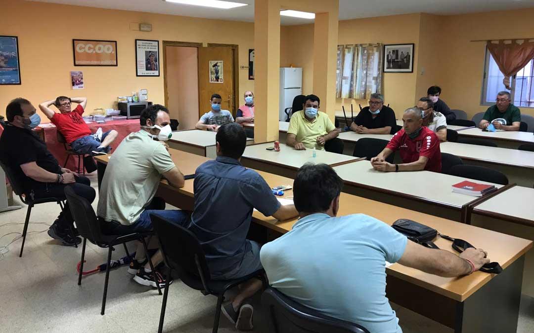 Reunión de trabajadores de la Central de Andorra y Subcontratas para abordar el final de la vida de la Térmica.