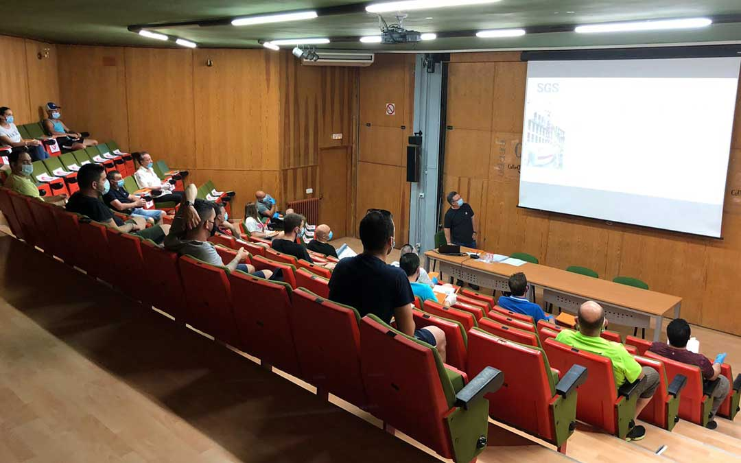 Inicio de los cursos de formación este lunes en Andorra / La Comarca