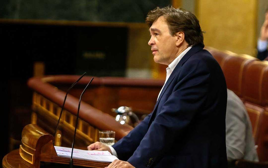 El diputado de Teruel Existe, Tomás Guitarte, en el Congreso